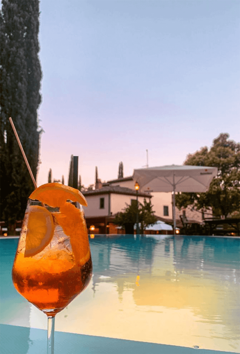 Cocktails in piscina