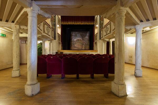 Dove sposarsi  in Umbria - Teatro della Concordia - Il Podere San Giuseppe